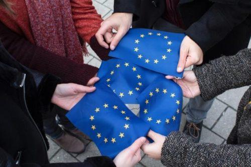 EU-Spitzen drängen zu Aufnahme von Beitrittsverhandlungen mit Nordmazedonien und Albanien