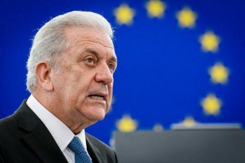 Situation auf griechischen Inseln: EU-Migrationskommissar Avramopoulos reist nach Griechenland und in die Türkei