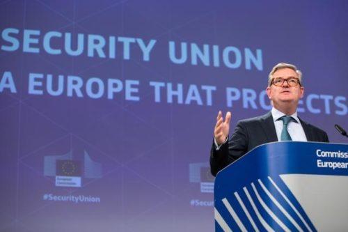 Cybersicherheit und Terrorismusbekämpfung: Kommission sieht weiteren Handlungsbedarf