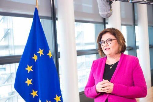 Verkehrskommissarin Vălean beim Aviation Summit: Luftverkehr muss Ziele des europäischen Green Deal einhalten