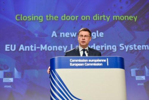 Kommission verstärkt Kampf gegen Geldwäsche und Terrorismusfinanzierung