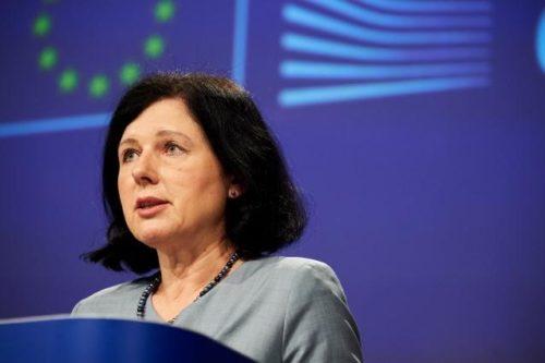 EU fordert Online-Plattformen auf, mehr gegen Desinformation in der Corona-Pandemie zu tun