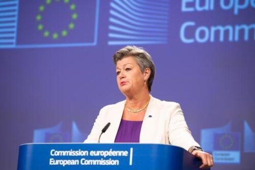 Kommission fordert von Mitgliedstaaten entschiedeneres Vorgehen gegen Menschenhandel