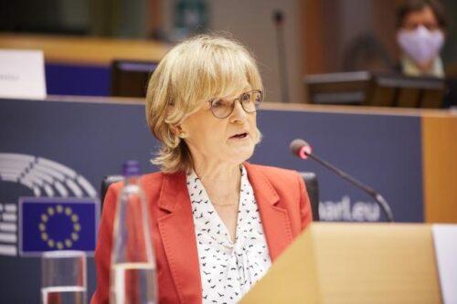 Parlament bestätigt McGuiness als neue EU-Finanzkommissarin und Dombrovskis als Handelskommissar