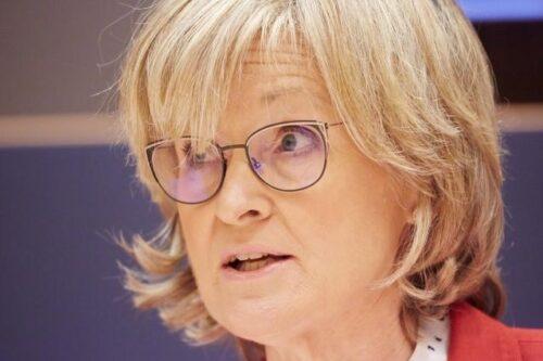 """Kommission konsultiert erste Kriterien für """"grüne Liste"""" nachhaltiger Wirtschaftstätigkeiten"""