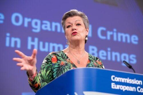 Kommission verstärkt Kampf gegen organisierte Kriminalität und Menschenhandel