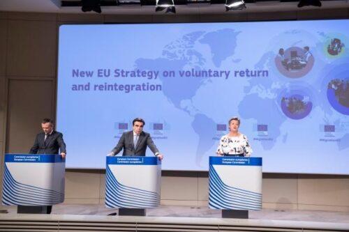 Menschen ohne Bleiberecht: Kommission will freiwillige Rückkehr und Wiedereingliederung fördern